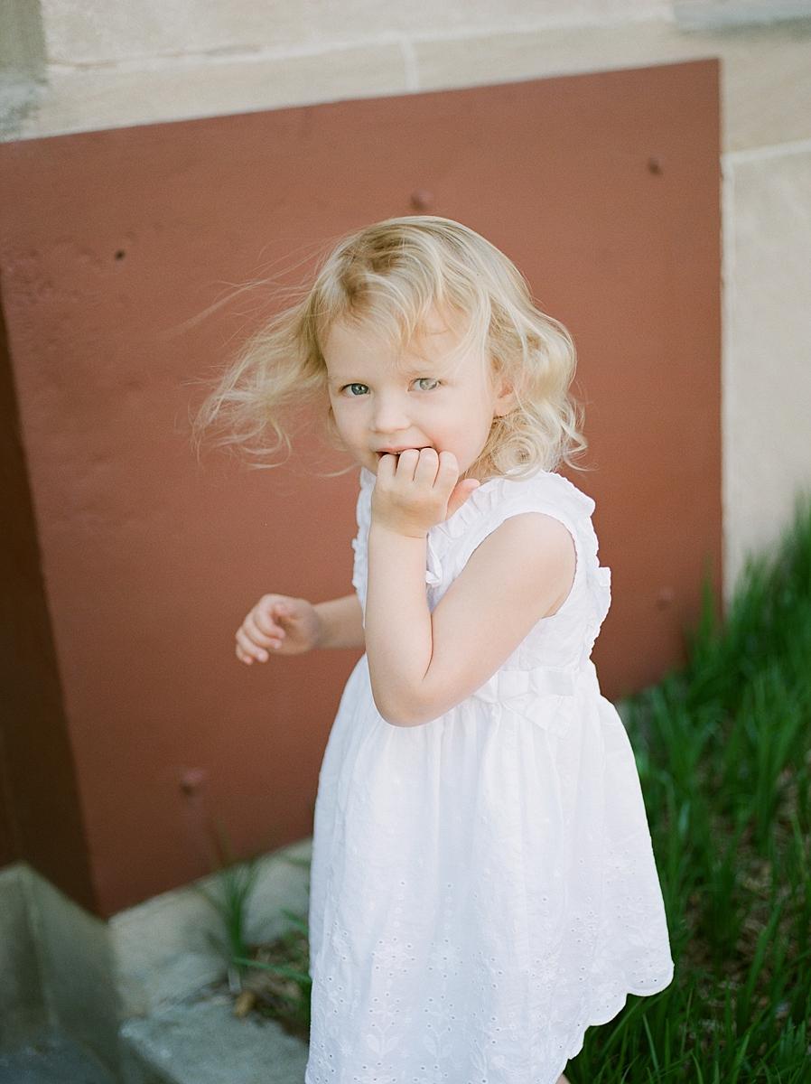 child-KIDS-CHILDREN-family-Photography-Champaign-County-Illinois-film-photographer-fuji_0059.jpg