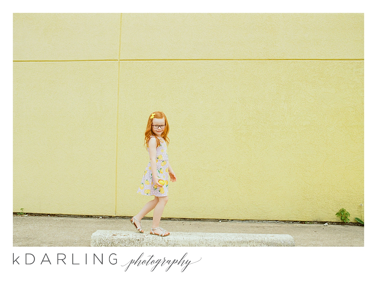 Photo-session-with-yellow-lemons-and-kindergarten-age-girl-downtown-champaign-Il-film-photographer_0013.jpg