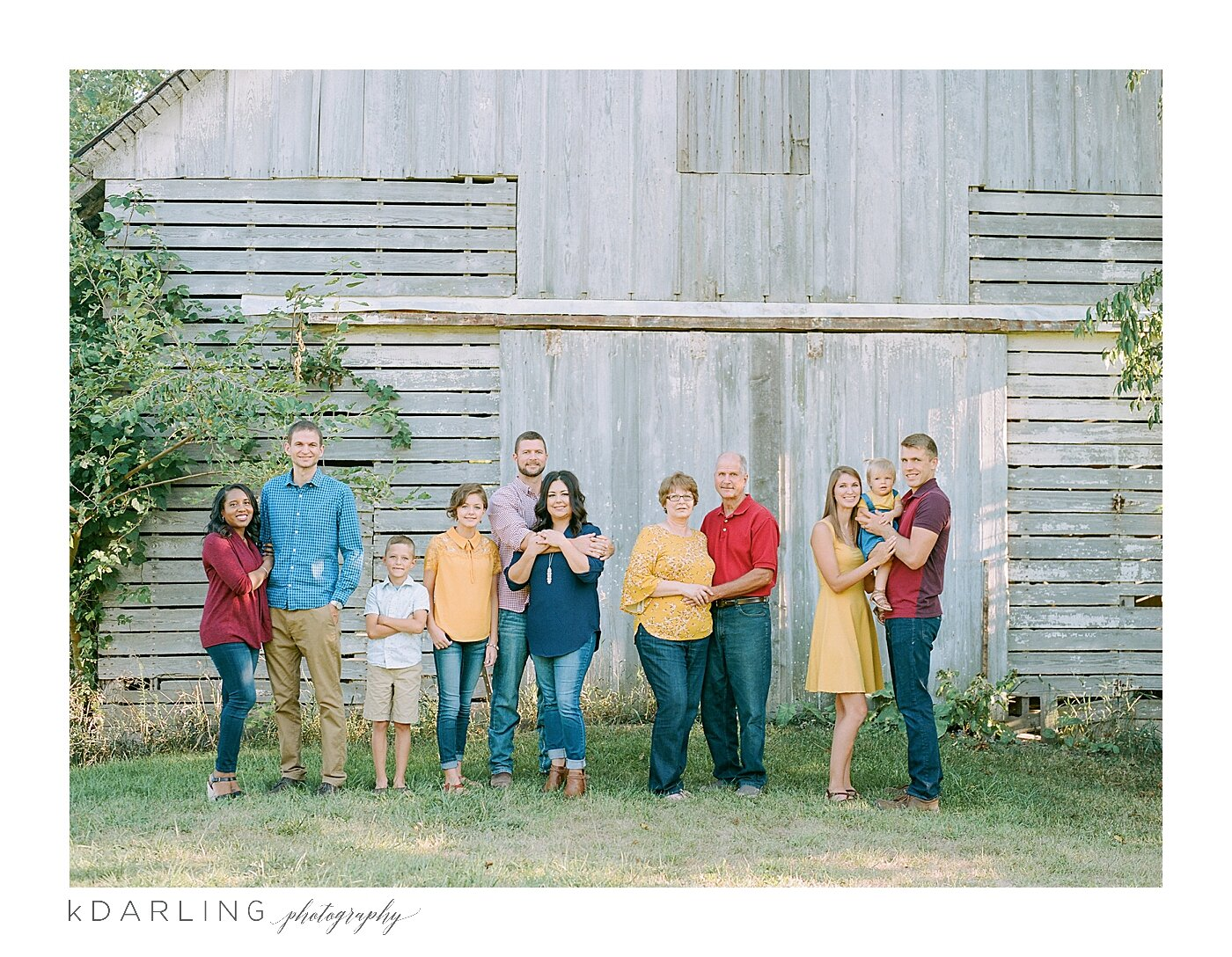 What-to-wear-for-your-family-pictures-champaign-county-il-photographer_0020.jpg