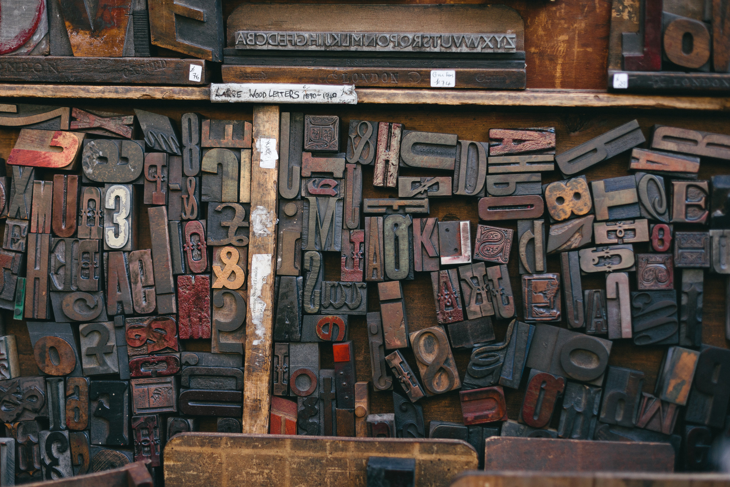 Moveable Type, Photo by    Bruno Martins    on    Unsplash