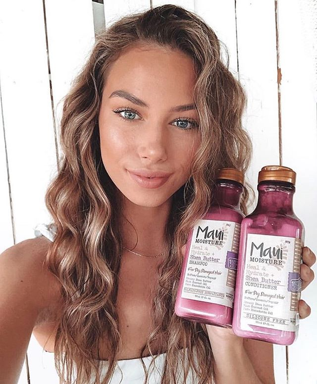 @kaitlincoyne and her luscious locks thanks to Heal & Hydrate from @mauimoistureau ✨✨