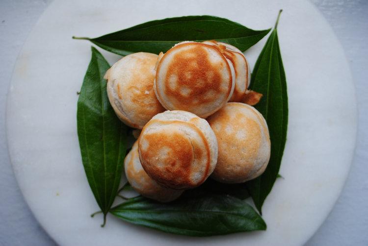 Khao Nom Kok (Lao Coconut Cakes)