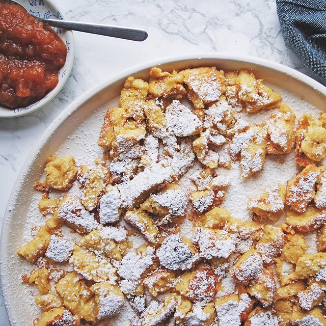 kaiserschmarrn: difficult to say, scary easy to eat 😉 we're pairing this austrian shredded pancake with applesauce just in time for #roshhashana - find it on the blog today 🍎♥️🥞