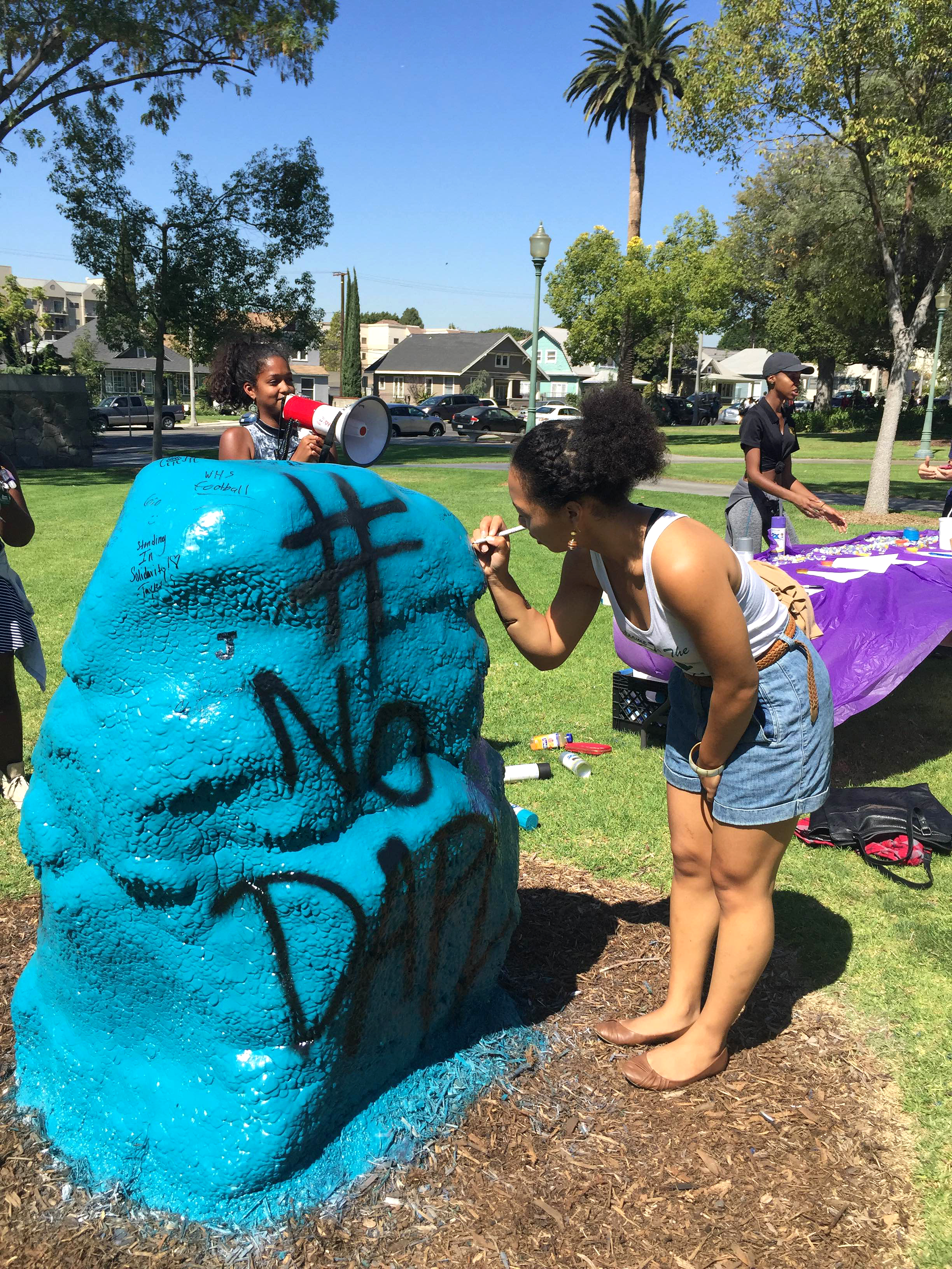 On Wednesday Sept. 28 ASWC Senate and the Social Justice Coalition (SJC) held a protest at the rock against the North Dakota Pipeline. Students were given the opportunity to sign the rock and the petition in support of the Standing Rock SiouxTribe.