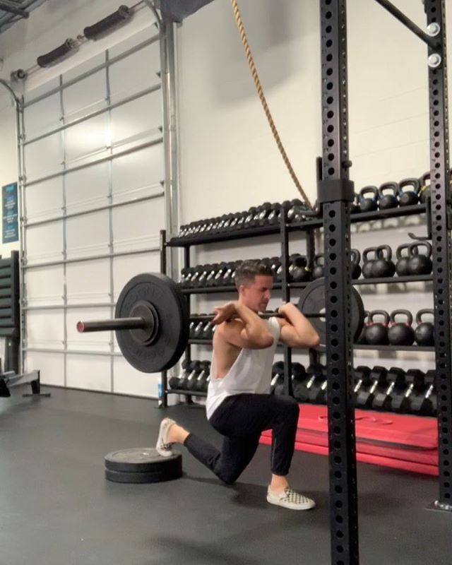 Front rack split squats followed up with banded half lay pulls. Just applying stressors!