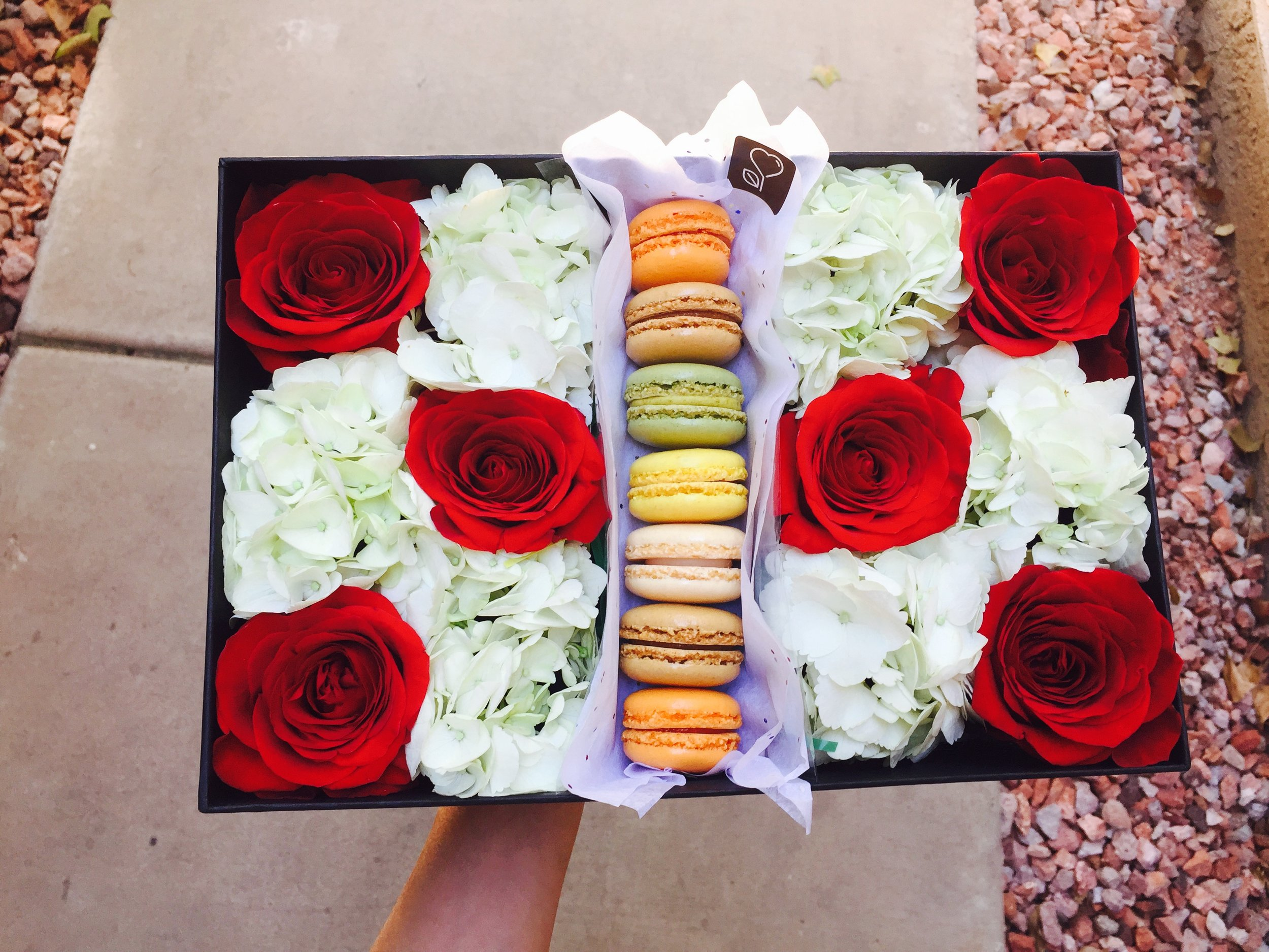 Mesmerize Her with our lovely ~I Love you, Mom!~ arrangement!