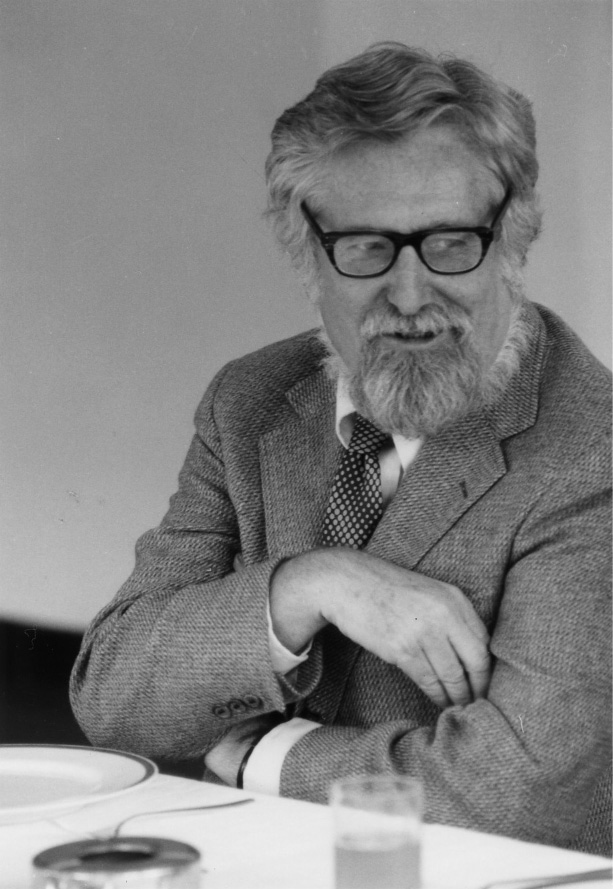 Clifford Geertz (1984).jpg