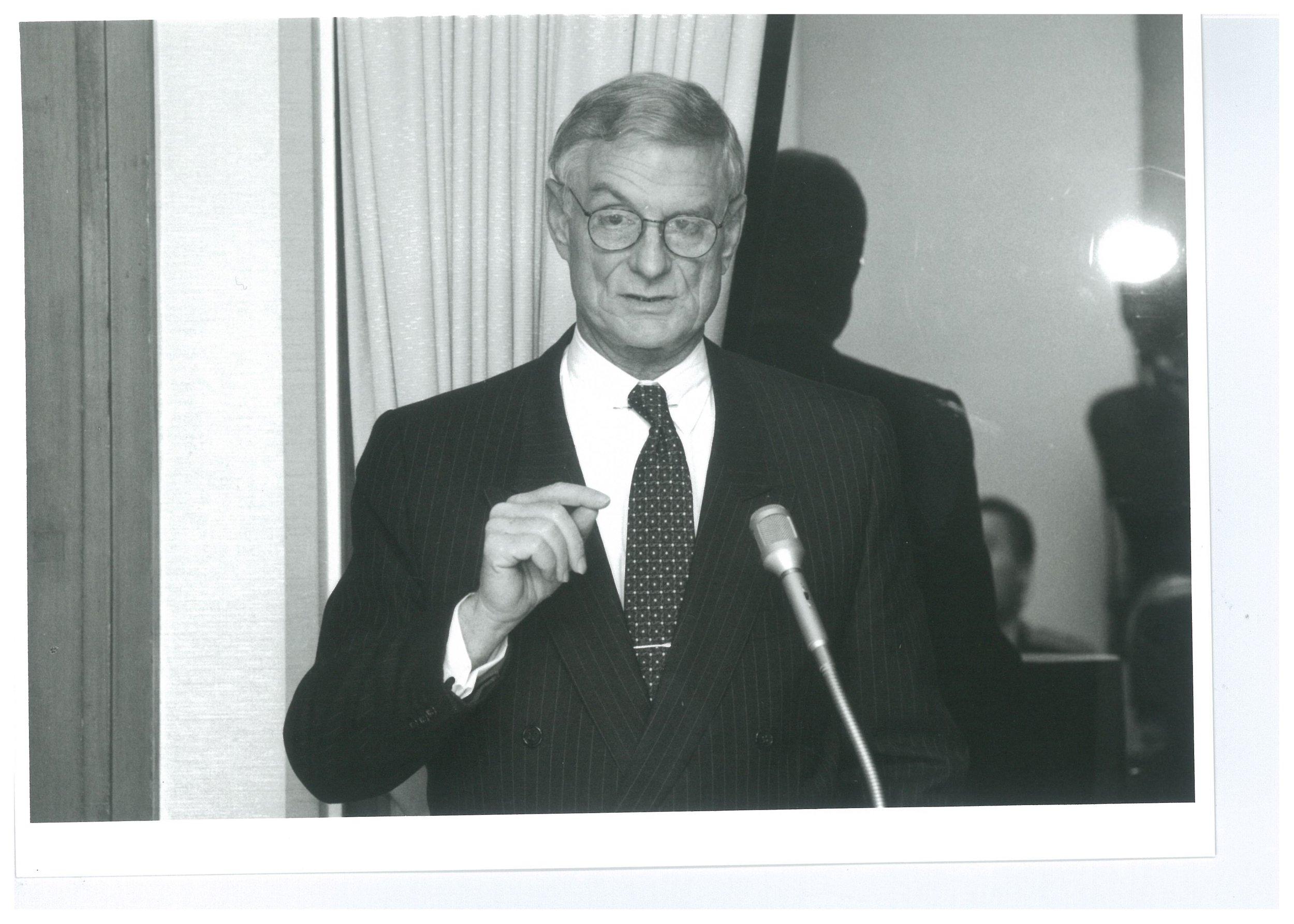 Nocholas Platt (1993).jpg