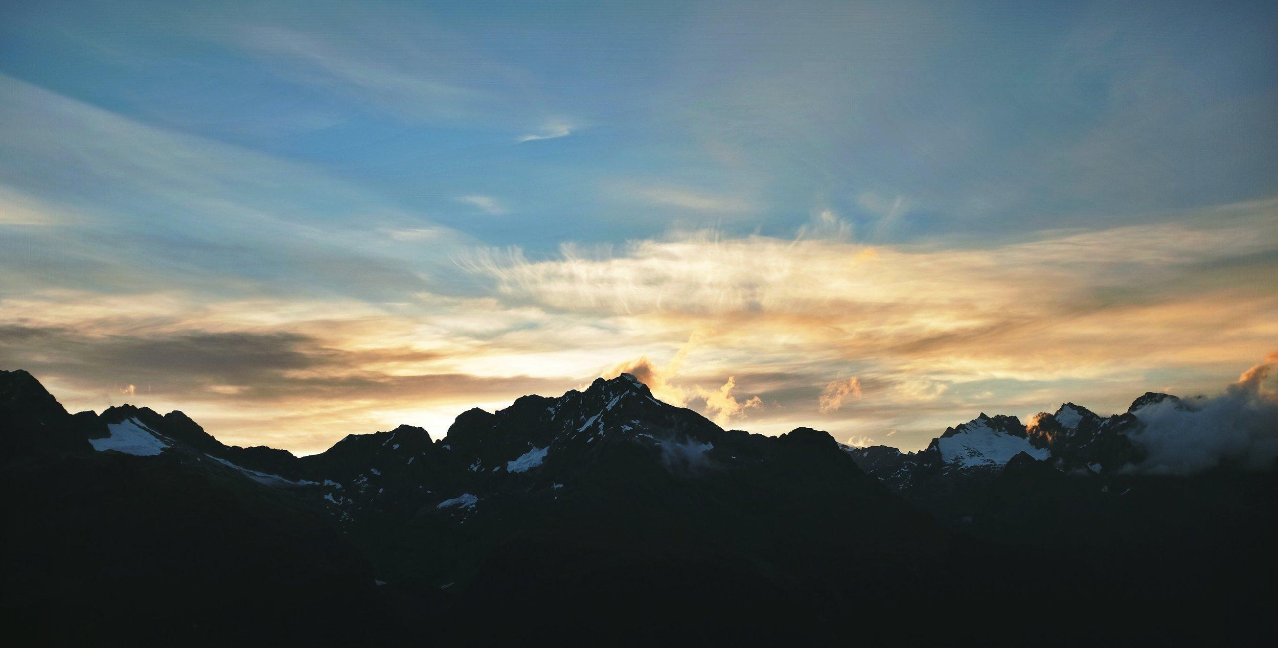 Fiery peaks on the Routeburn.