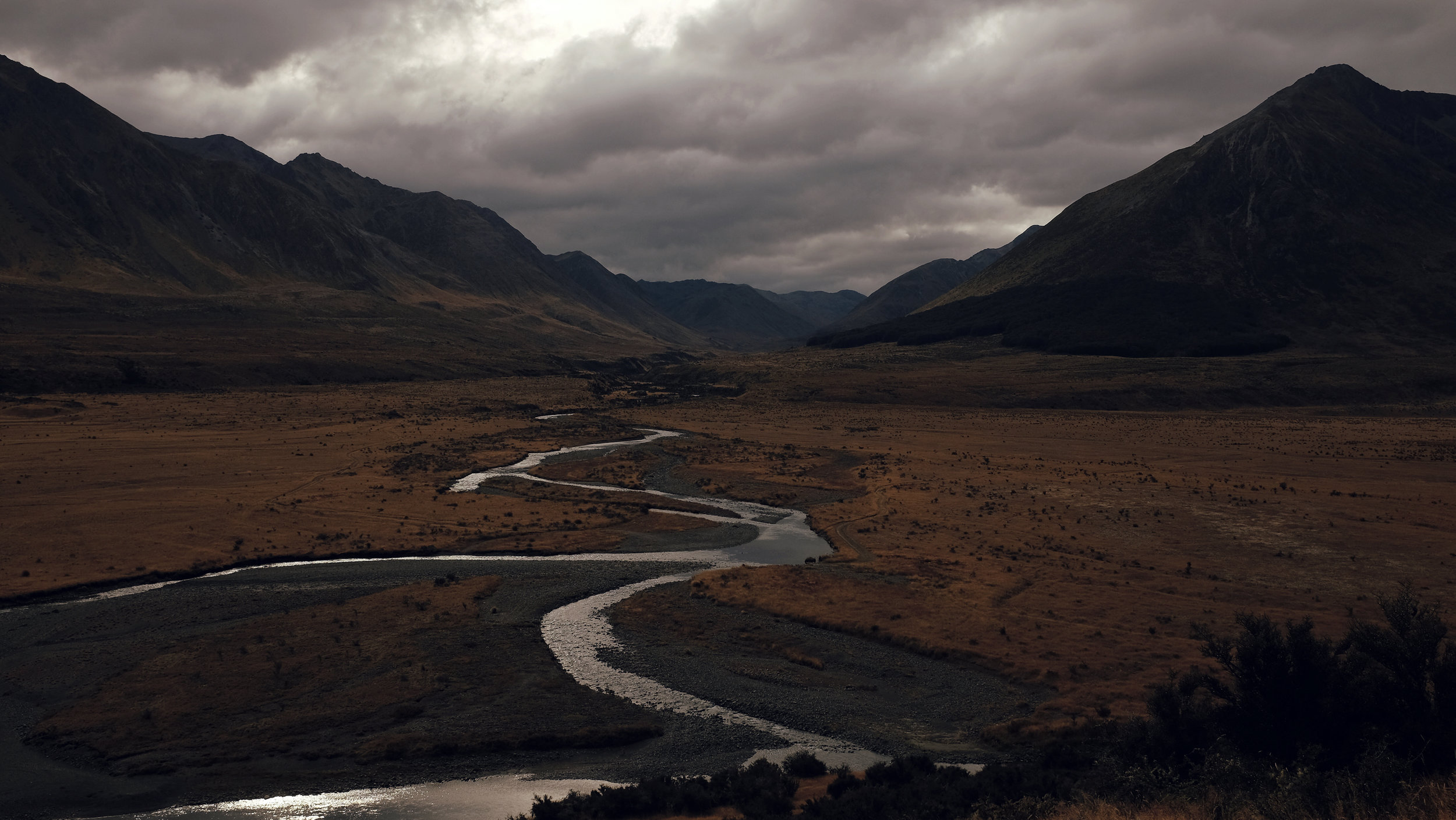 Waters from Fiordland come to feed the Mavora Lakes.
