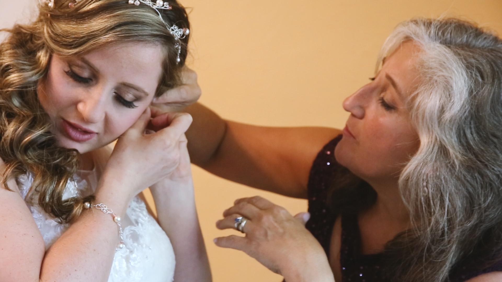 nichole-brandon-wedding-video-mother-daughter