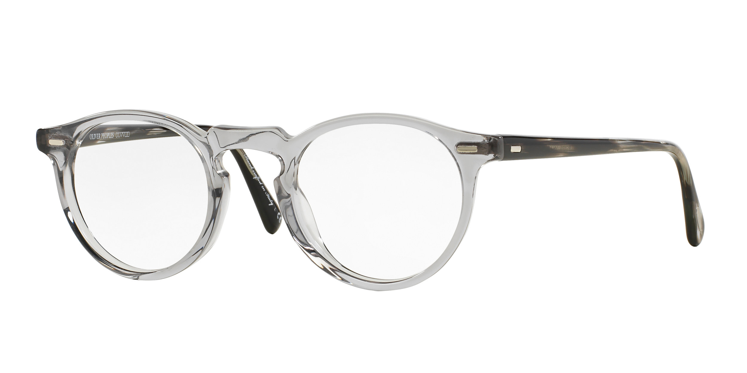 An example of Oliver Peoples style