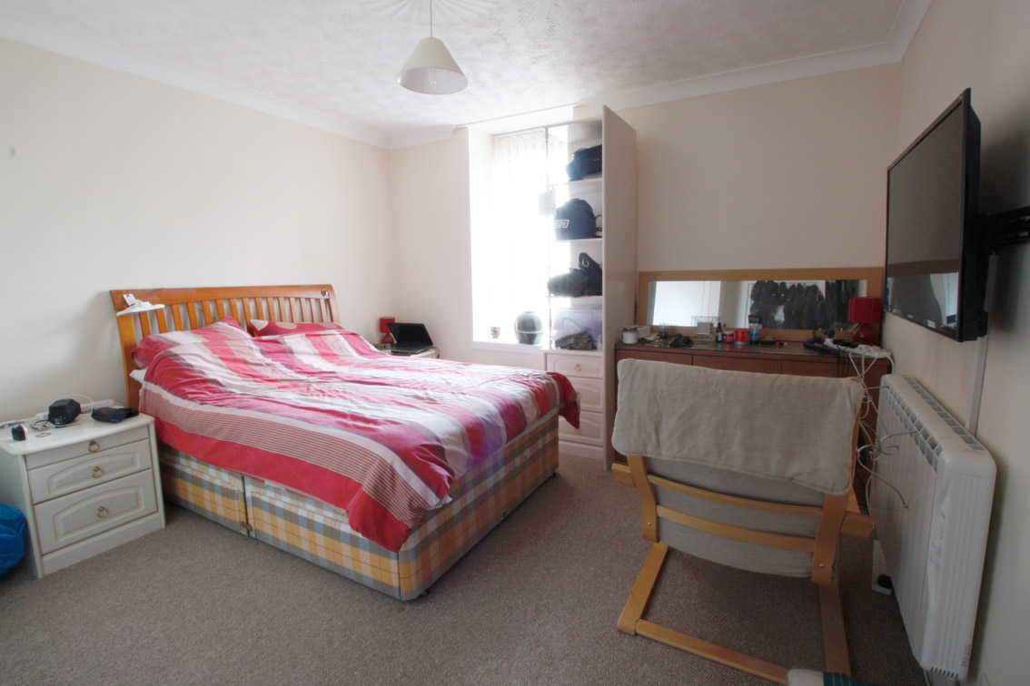 bedroom-one-loons-road.jpg