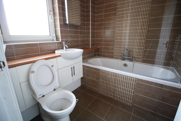 portmore-upstairs-bathroom.jpg