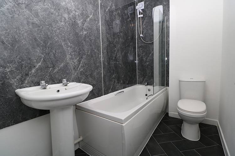 lorimer-bathroom.jpg