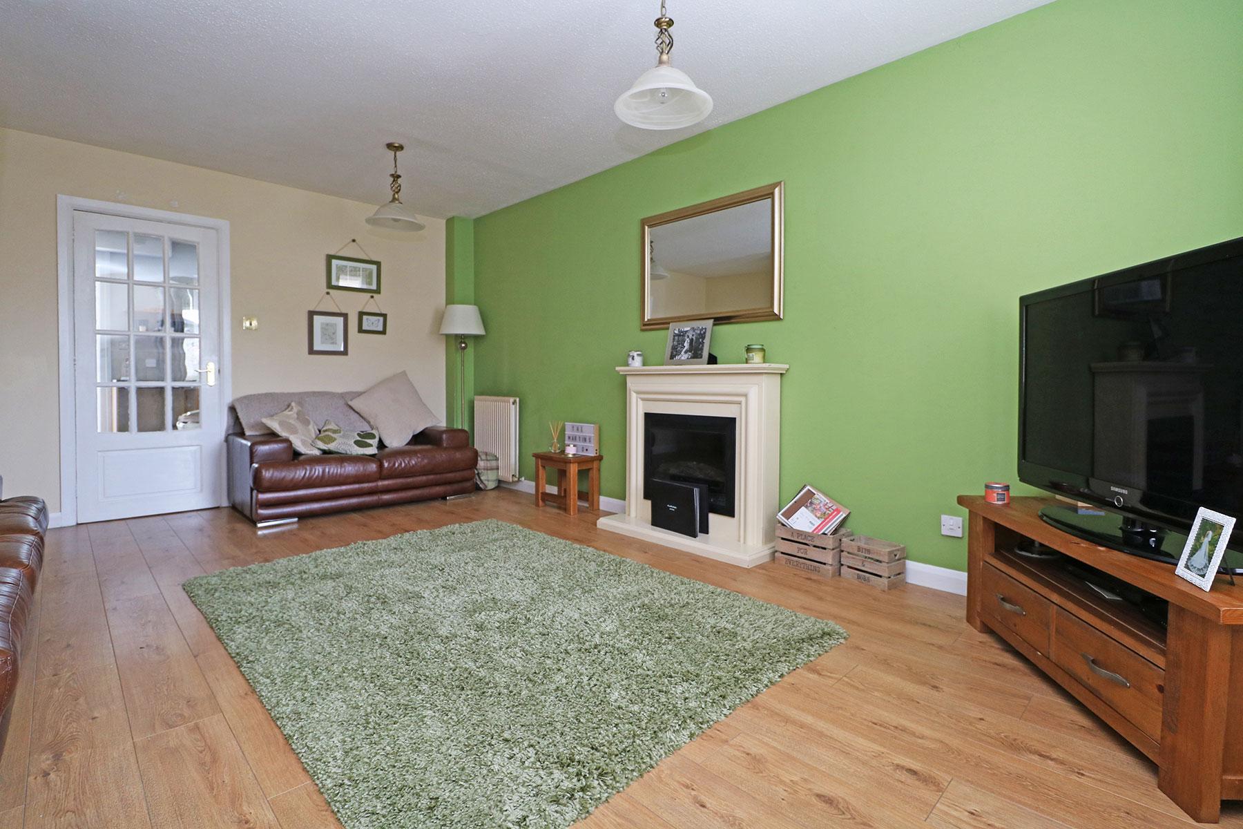 larchfield-gardens-livingroom-1.jpg