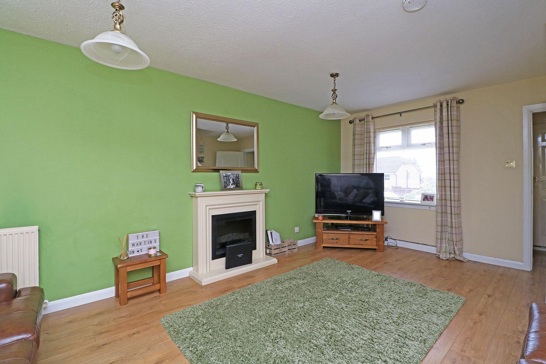 larchfield-gardens-livingroom-2.jpg
