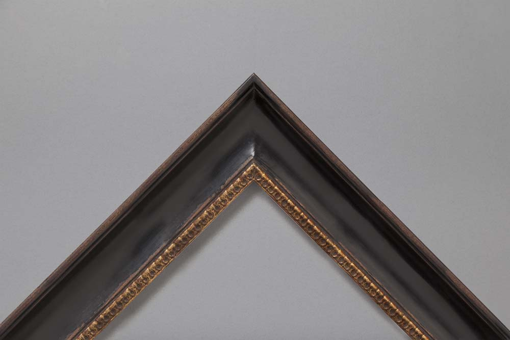 A range of traditional 18th & 19th century profiles & finishes
