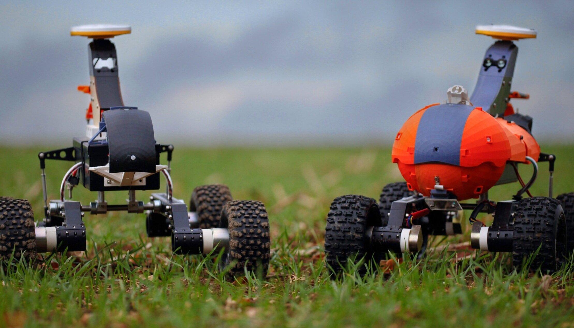 Two%2Brobots.jpg
