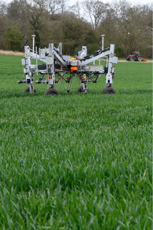 The three igus delta arms fitted to the robot can destroy weeds simultaneously.