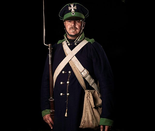 Wehrmann, 5tes Westfälisches Landwehr Infanterie Regiment, Preußen  Unseen Waterloo: The Conflict Revisited, is a series of imaginary portraits by photographer Sam Faulkner @faulknerphotog exploring how we remember the fallen from a time before photography.  Every one of these images was made on the actual battlefield of Waterloo.  Use code INSTA50 for a 50% discount on the Unseen Waterloo book. Use link in the profile.  #Waterloo #battleofwaterloo #reenactment #livinghistory #napoleonic #Dukeofwellington #Napoleon #Prussia #Wehrmann