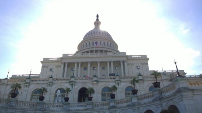 united-states-capitol-1675539_1920.jpg