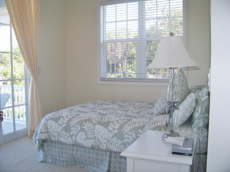 TYPICAL_GUEST_BEDROOMS_IN_COTTAGE___2.JPG
