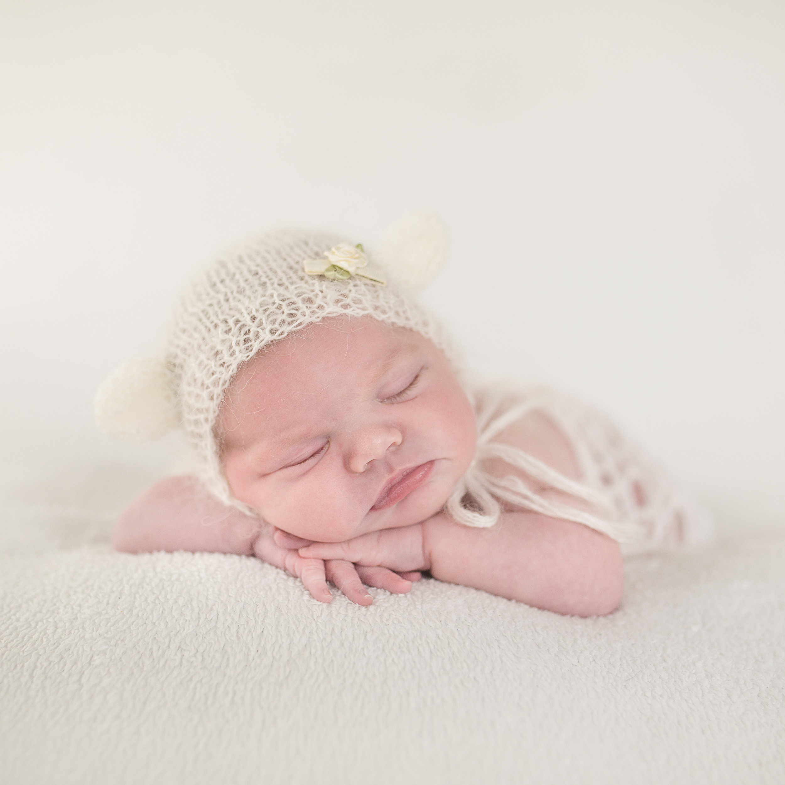 Eleanor Newborn-47sq.jpg