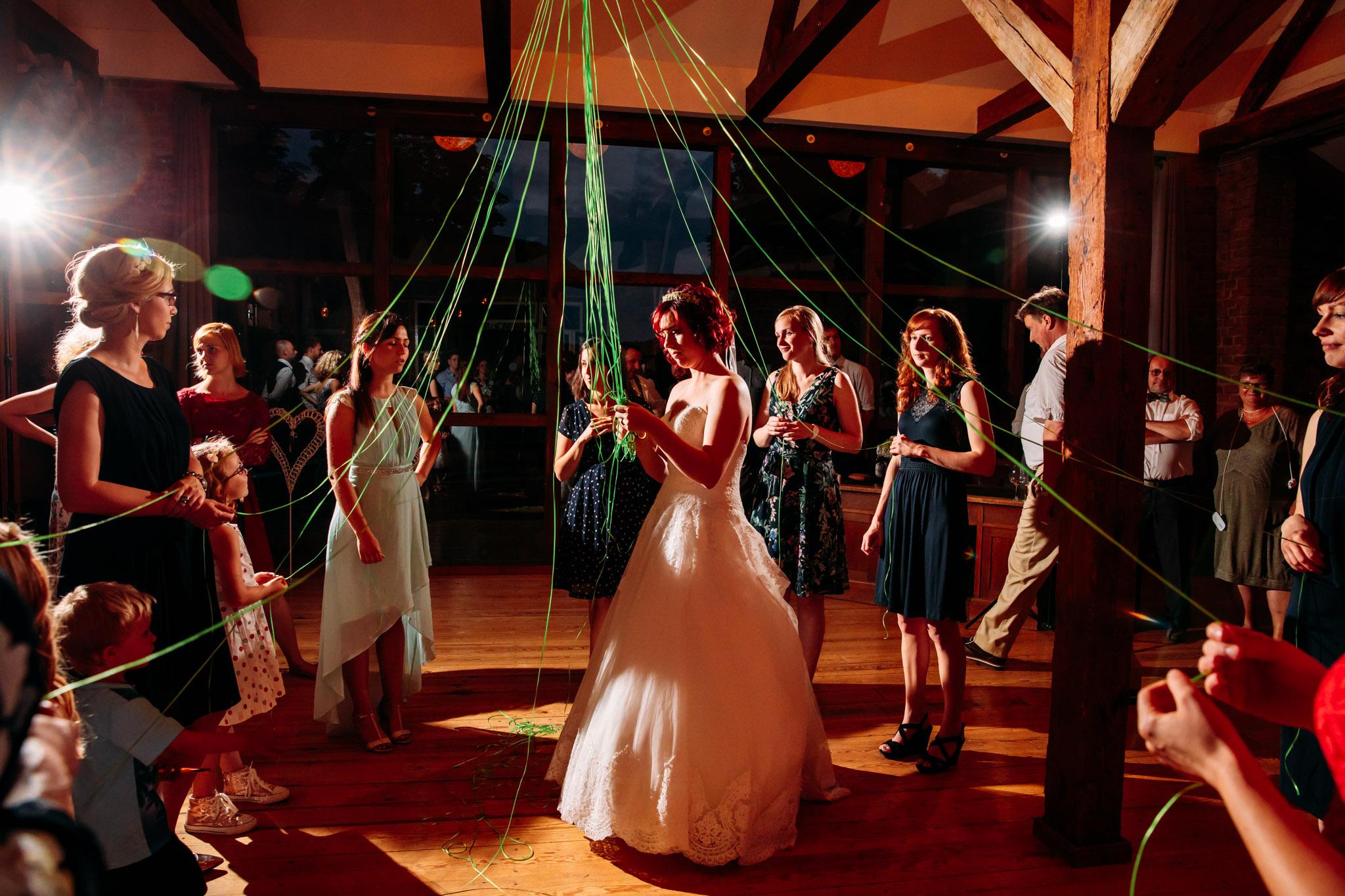 180616_Hochzeit_Haus_am_Bauernsee_Scheune_web_0027.jpg