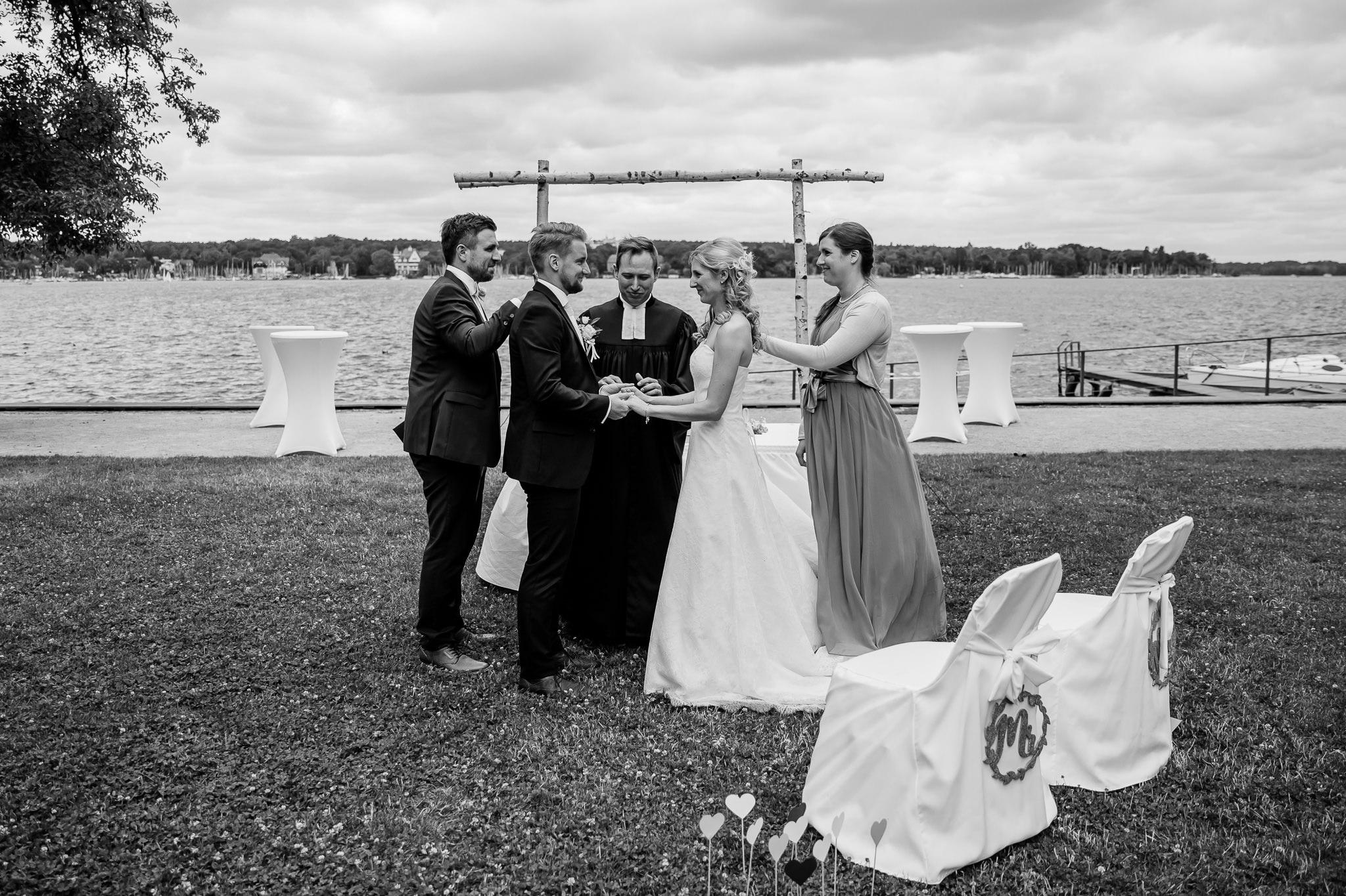 190705_Hochzeit_Villa_Blumenfisch_Wannssee_freie_Trauung_0014.jpg
