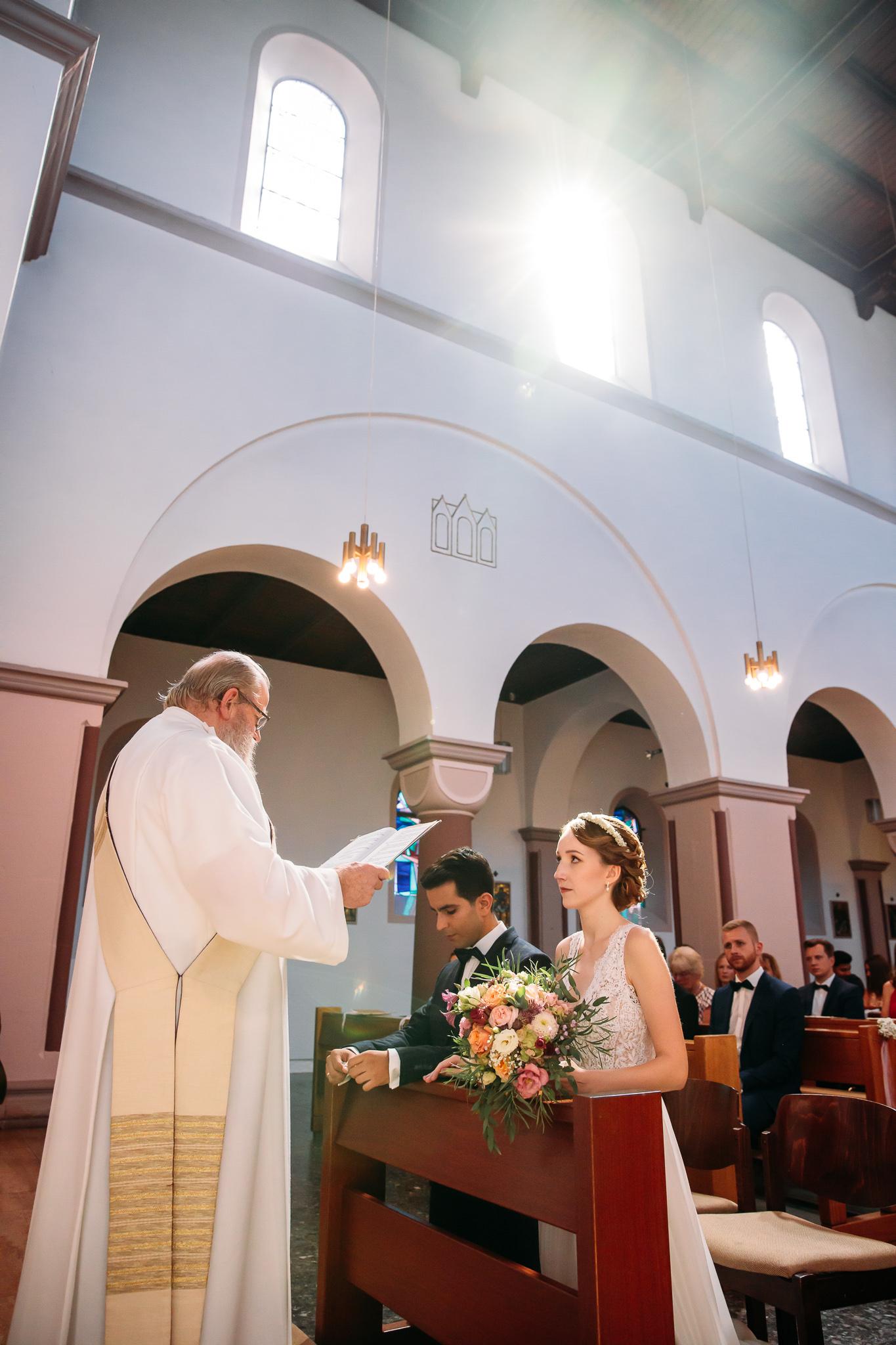 190824_Kirchliche_Hochzeit_Niedersachsen_Northeim_Freigeist_A+H_JFRcreatives_Prev_0010.jpg