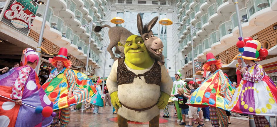 Parade_A-MG_Shrek_944x435.jpg