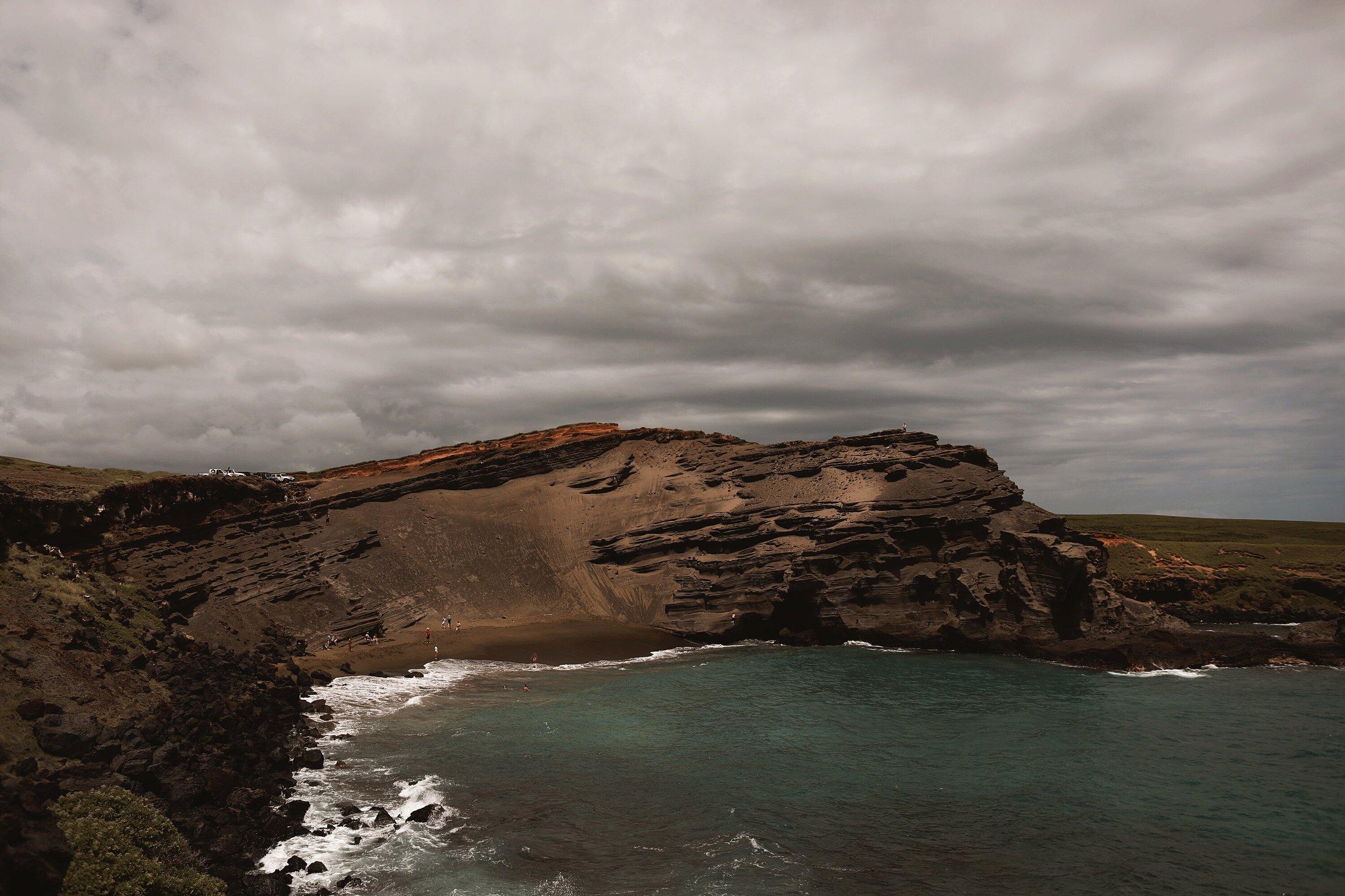 Papakōlea: The Green Sand Beach | Big Island, Hawaii | Travel Wanderlust Blog Hiking | And Away We Went