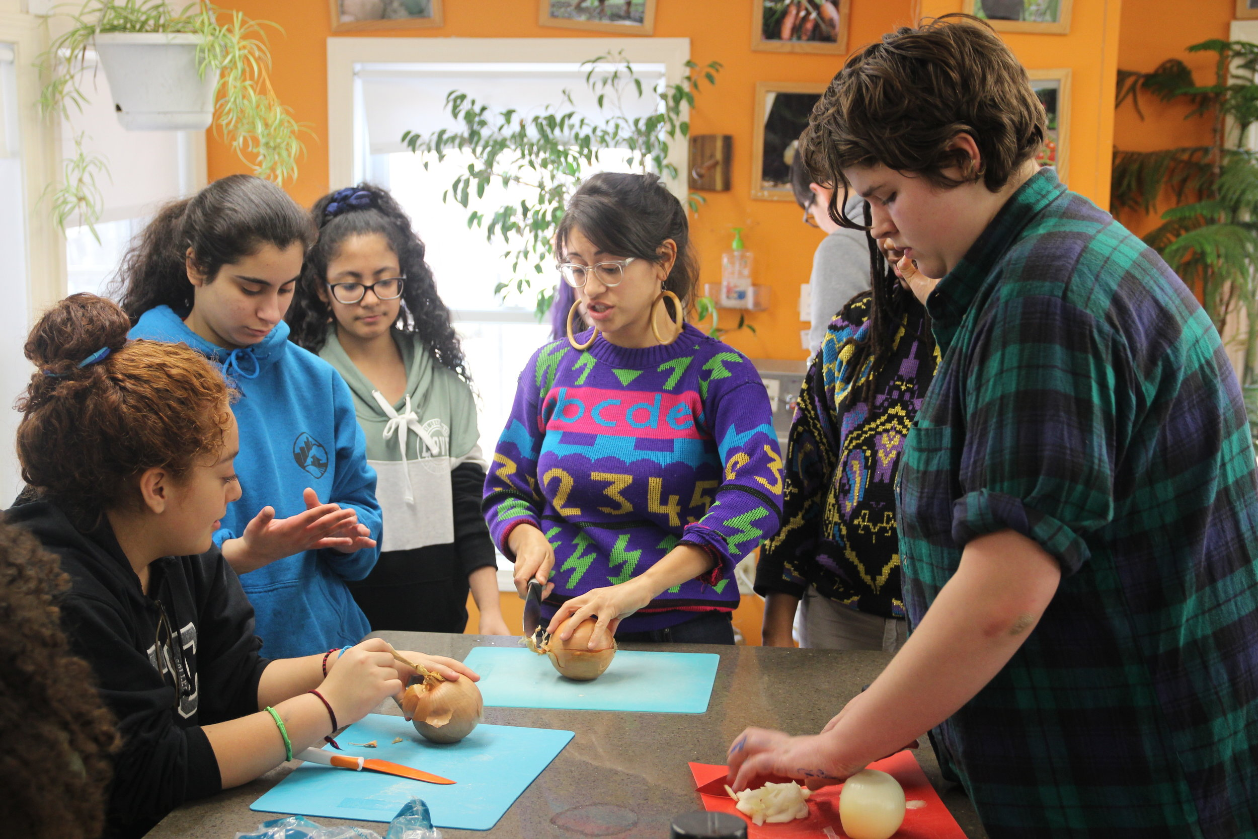 Gabriela cooking with students during her 5 day Environmentalist In Residency at Common Ground High School in New Haven, CT.