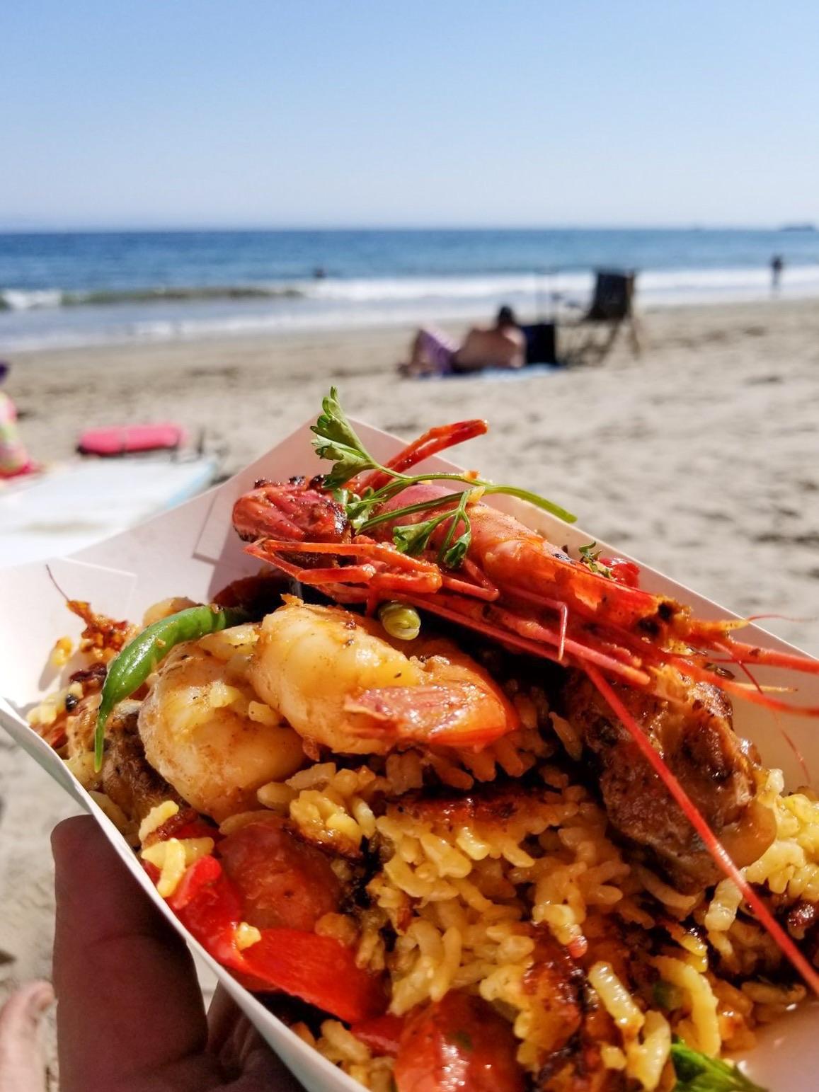 bomba-paella-catering-butterfly-beach5.jpg