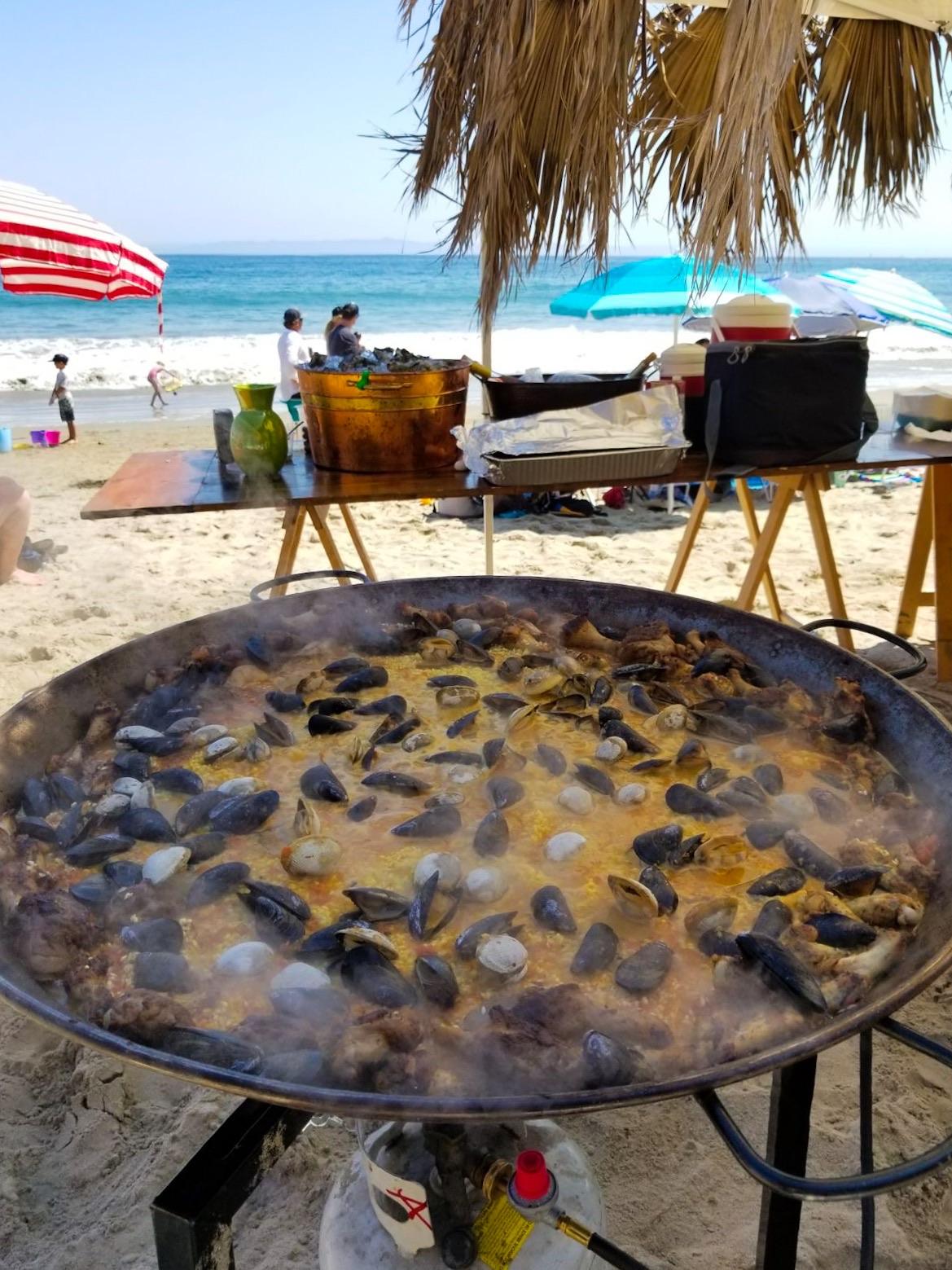 bomba-paella-catering-butterfly-beach7.jpg