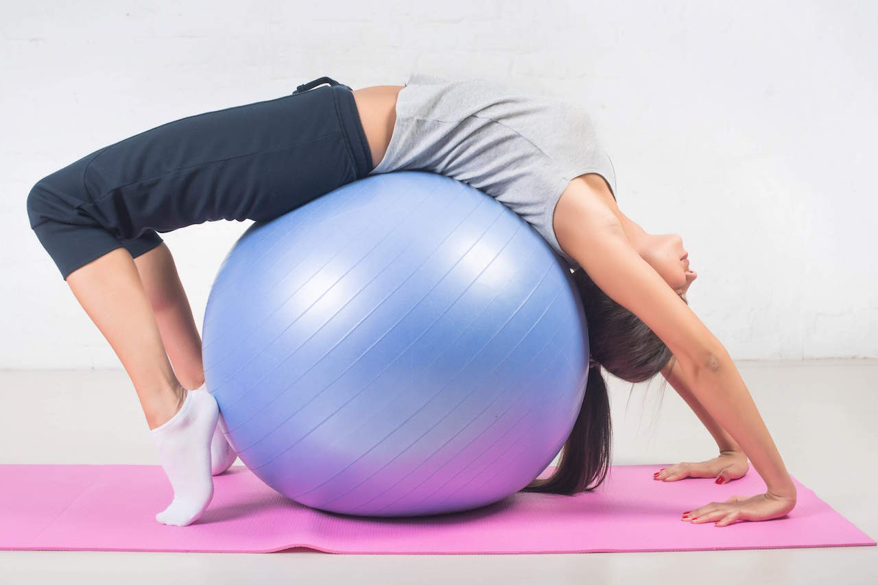 15-min-exercise-ball-workout.jpeg