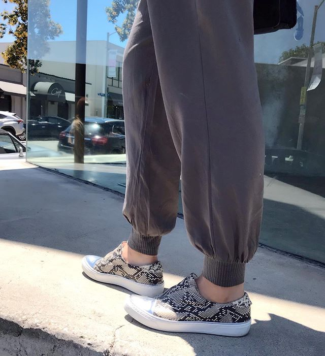 California vibes 🌴☀️🕶 Circle3.nyc Street Luxury fashion Sneakers -Fosse Python low cut . . . #circle3nyc #streetfashion #streetstyle #streetwear #streetphotography #fashionsneakers #morethansneakers #fashionlover #fashionlove #shoesoftheday #sneakers #sneakershoes #sneakershoeslover #kicks #california #maxfield #la #lafashion #californiavibes #comfortable #travelshoes #nyc #brooklyn #tokyo #osaka