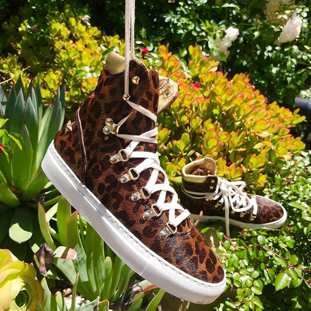 Tigret high top sneakers 🐆🌵🌴 Circle3.nyc Street luxury fashion sneakers . . . #circle3nyc #streetstyle #streetfashion #streetfashionstyle #fashionsneakers #sneakerlovers #sneakers #sneakerhead #sneakeraddict #kicks #kicksoftheday #shoes #shoesoftheday #california #la #fashionblogger #fashionlover #leopard #leopardshoes #leopardsneakers #nyc #brooklyn #tokyo #osaka #レオパルド柄スニーカー#ロサンゼルス