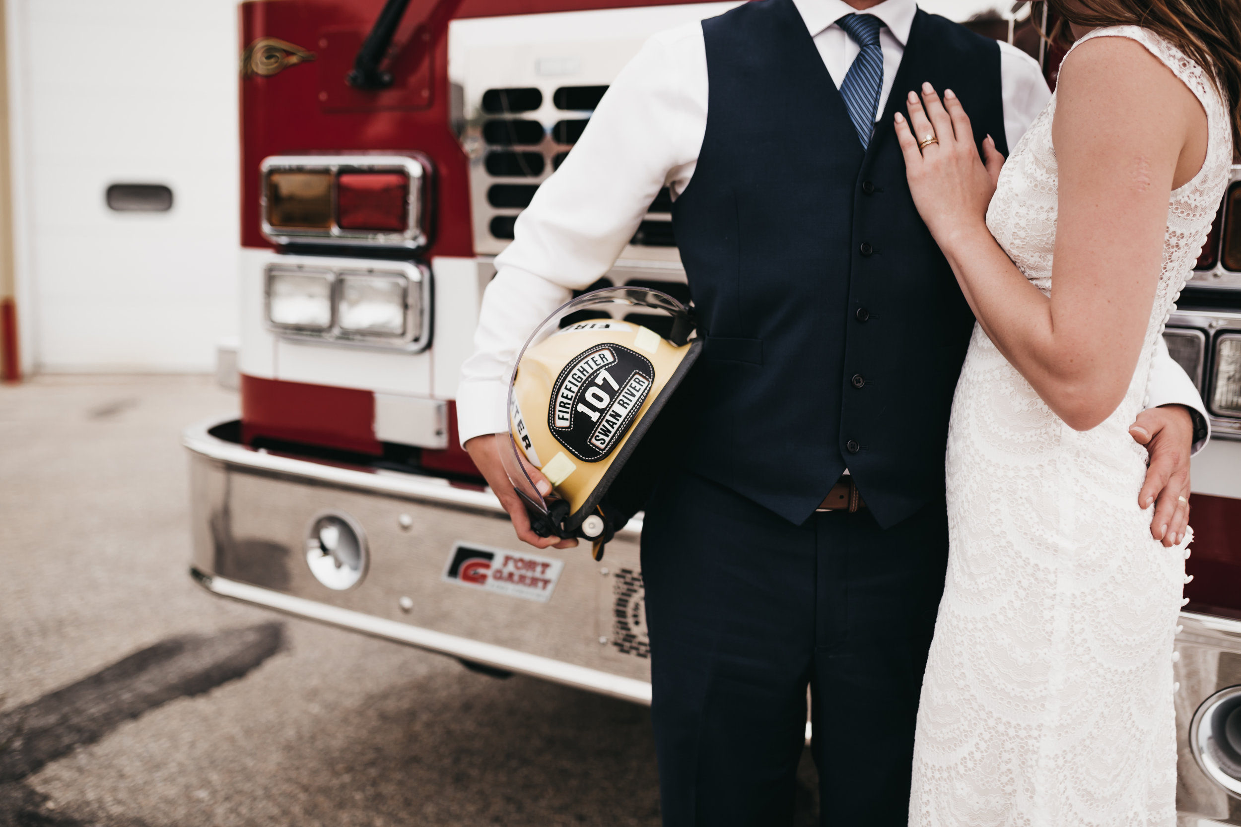 SimplePerfectionsPhotography.Mike+Courtney-757.jpg
