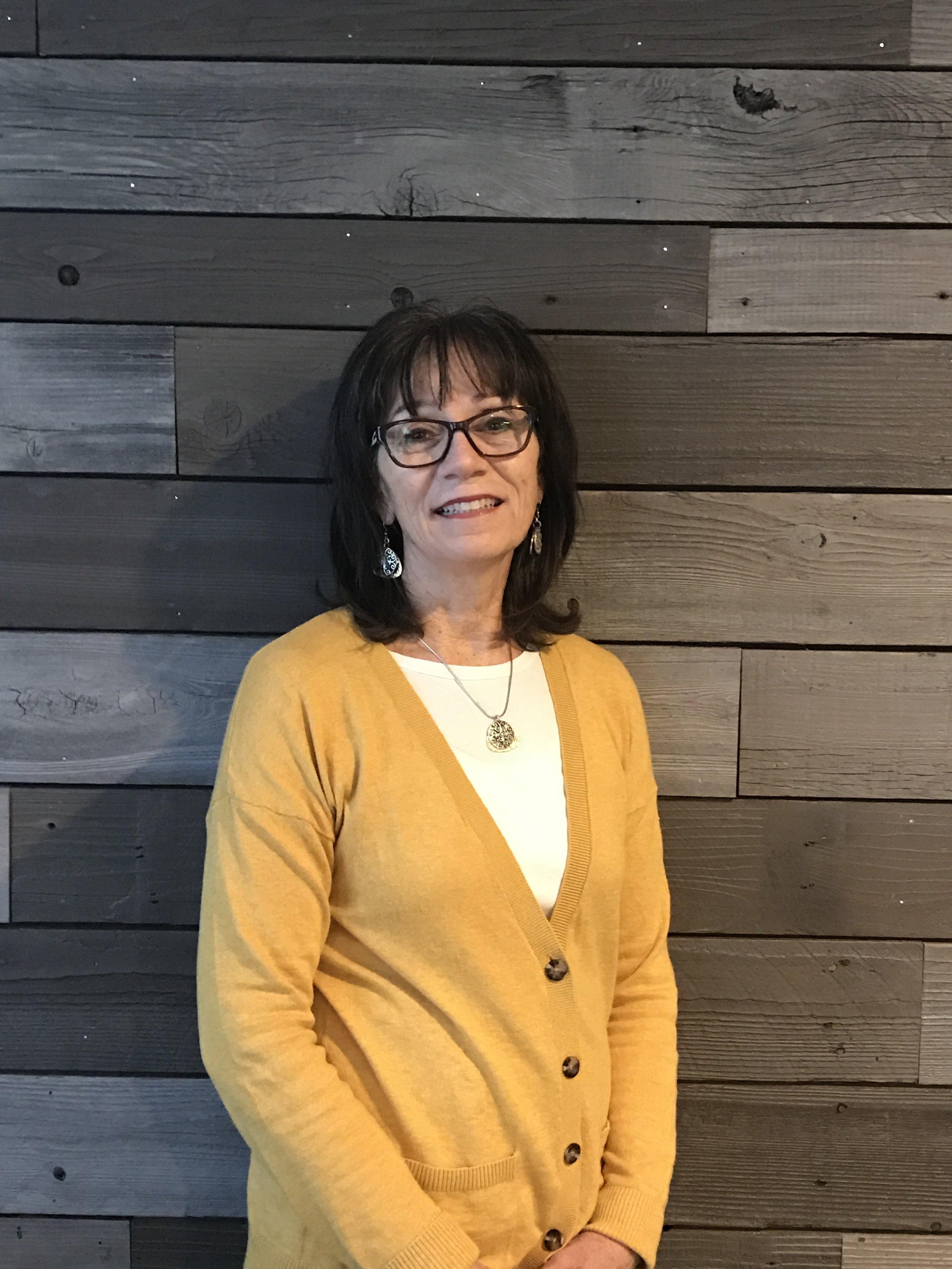 Linda Costantini, Administrator