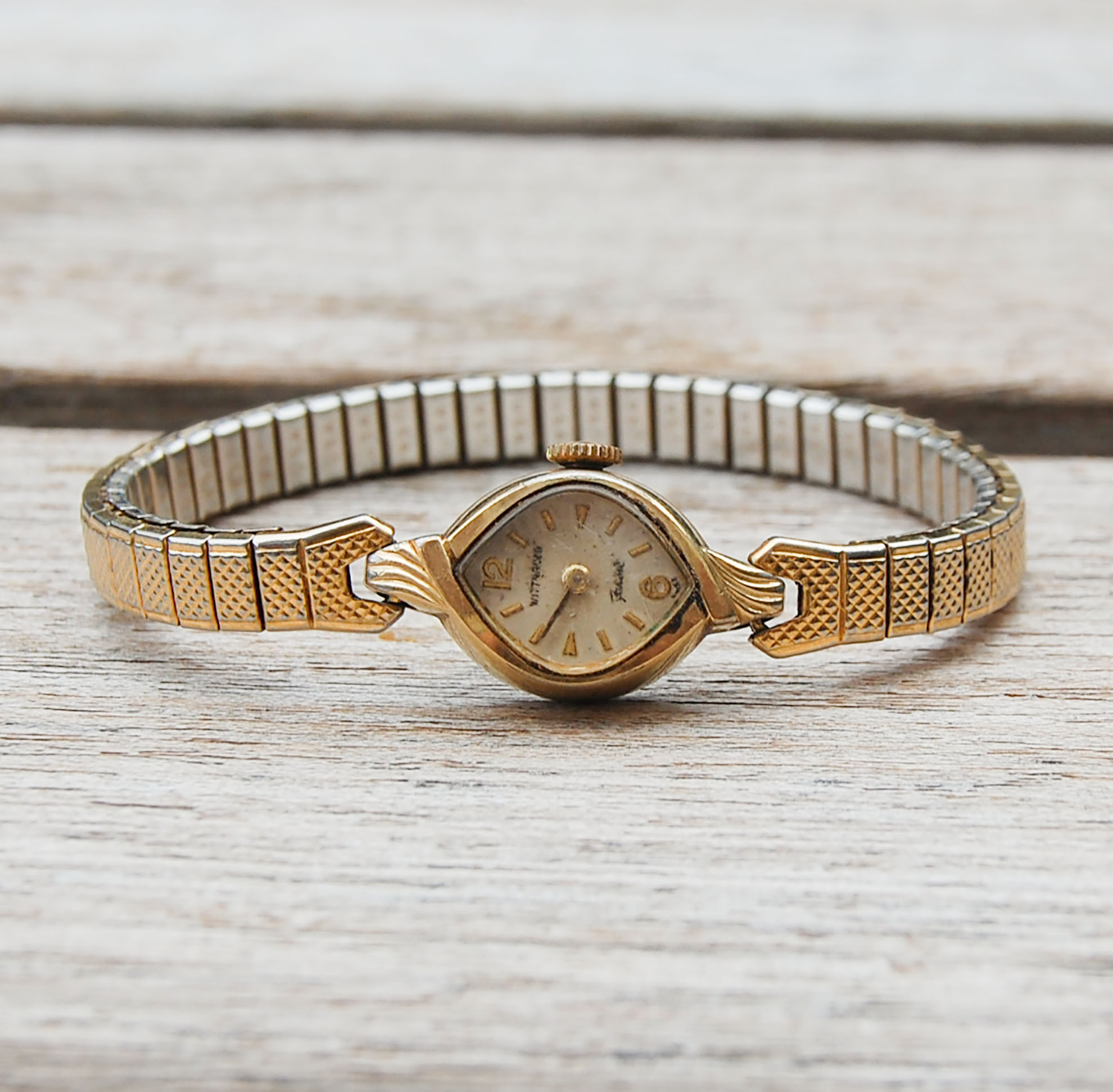 Vintage Wittnauer Womens Gold Plated