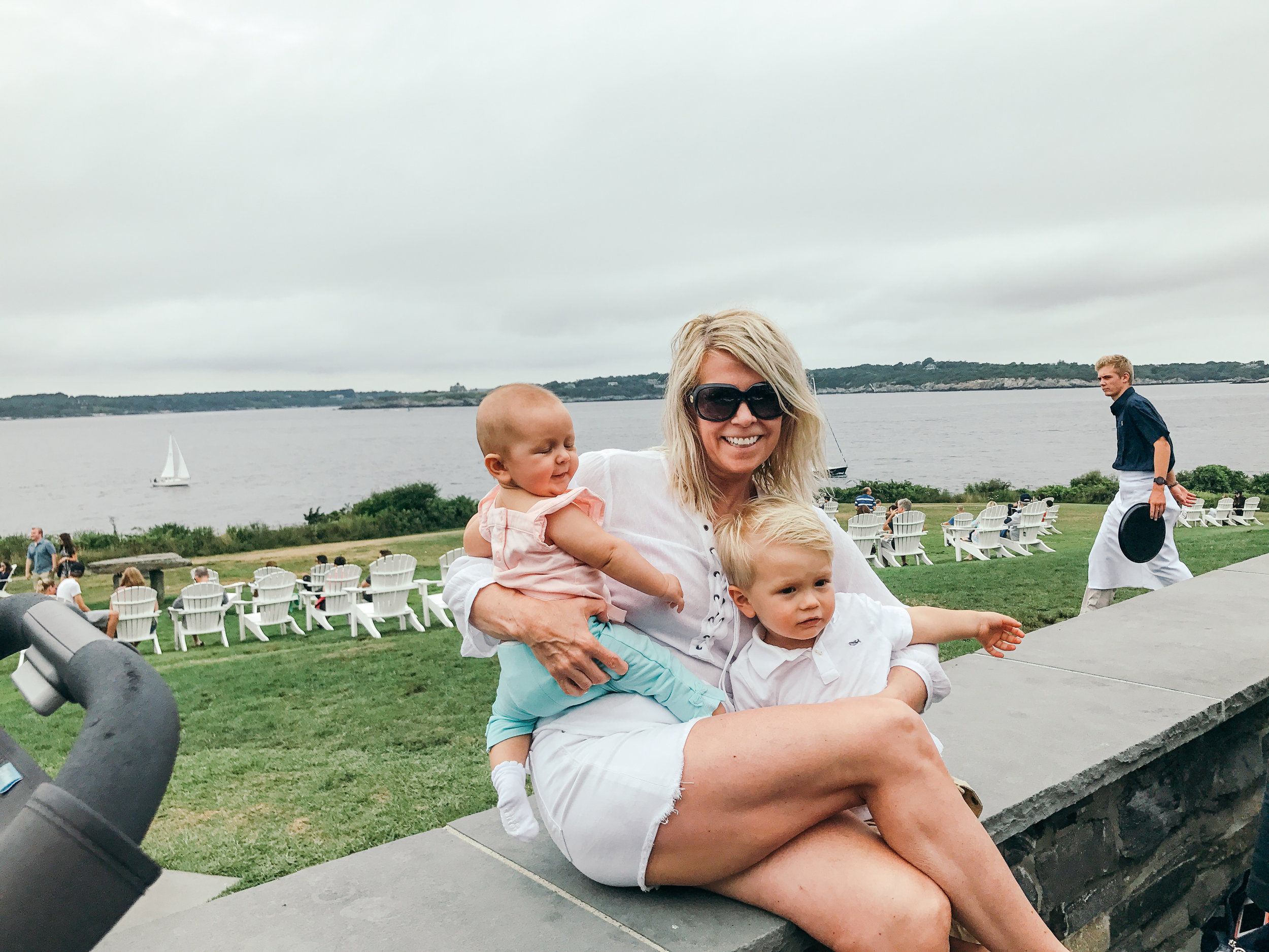 newport-rhode-island-lifestyle-mom-style-maternity-fashion-vintage-jewelry-travel-family-blog