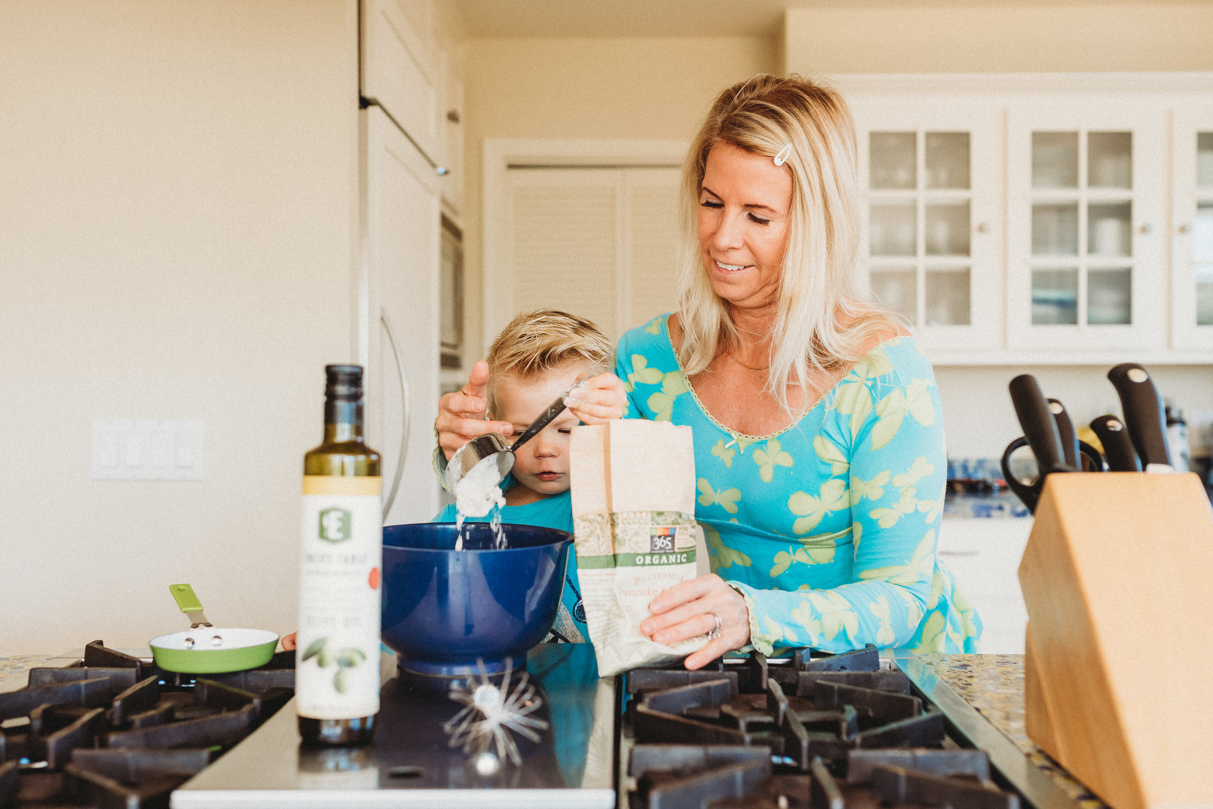 family pancakes morning routine mom of two toddlers pj mornings family time quality time4.jpg