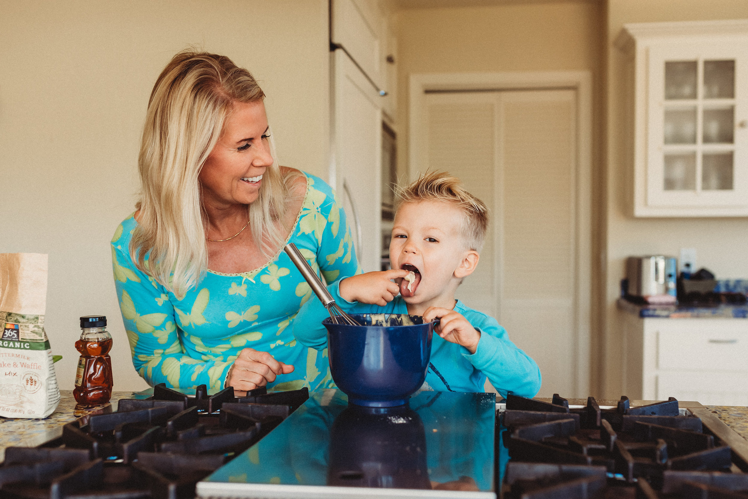 family pancakes morning routine mom of two toddlers pj mornings family time quality time12.jpg
