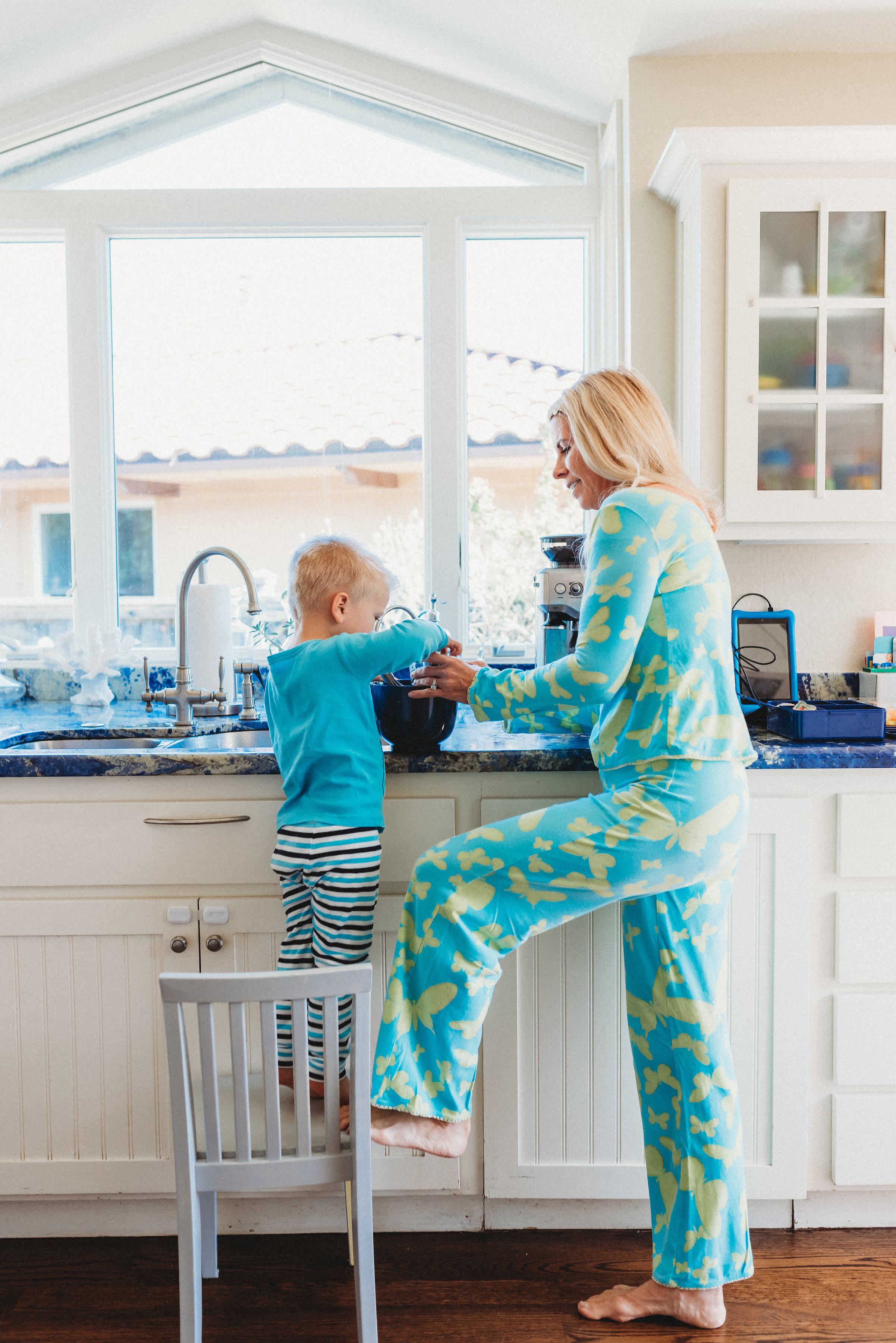 family pancakes morning routine mom of two toddlers pj mornings family time quality time15.jpg