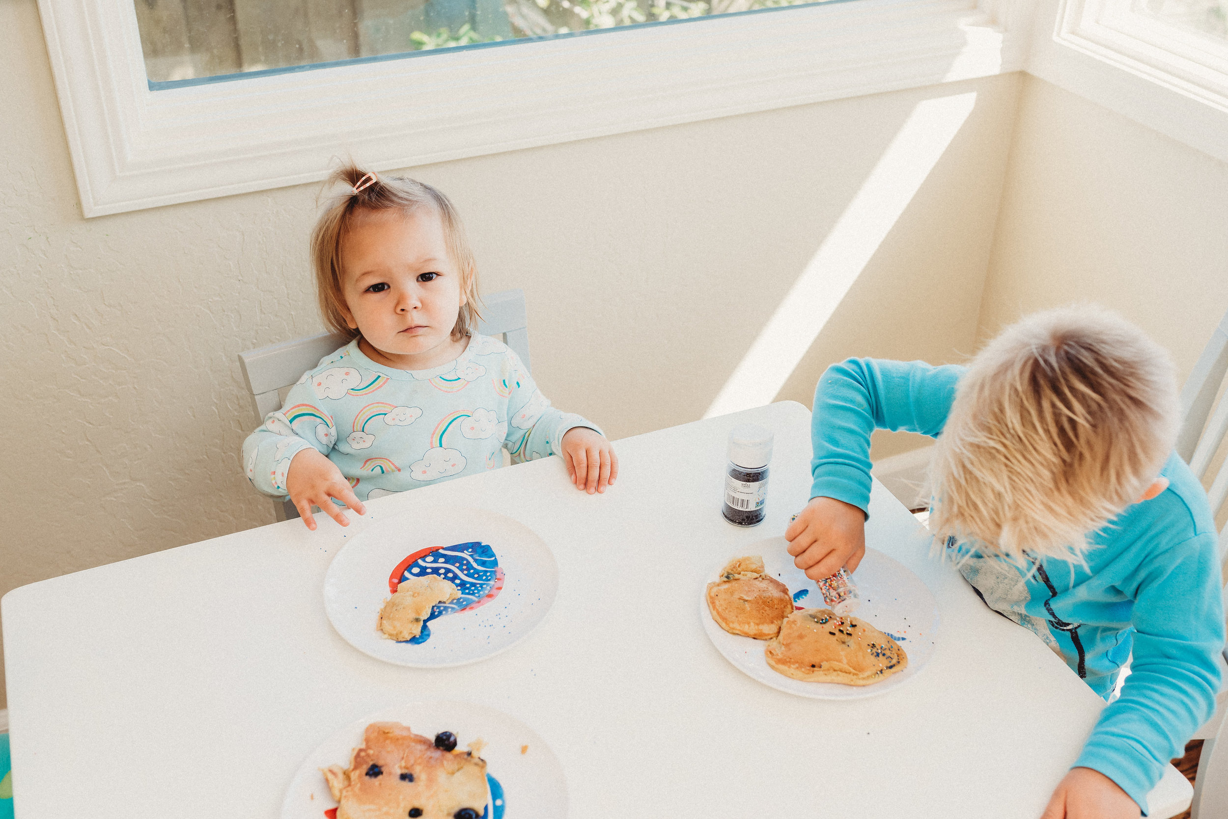 family pancakes morning routine mom of two toddlers pj mornings family time quality time30.jpg