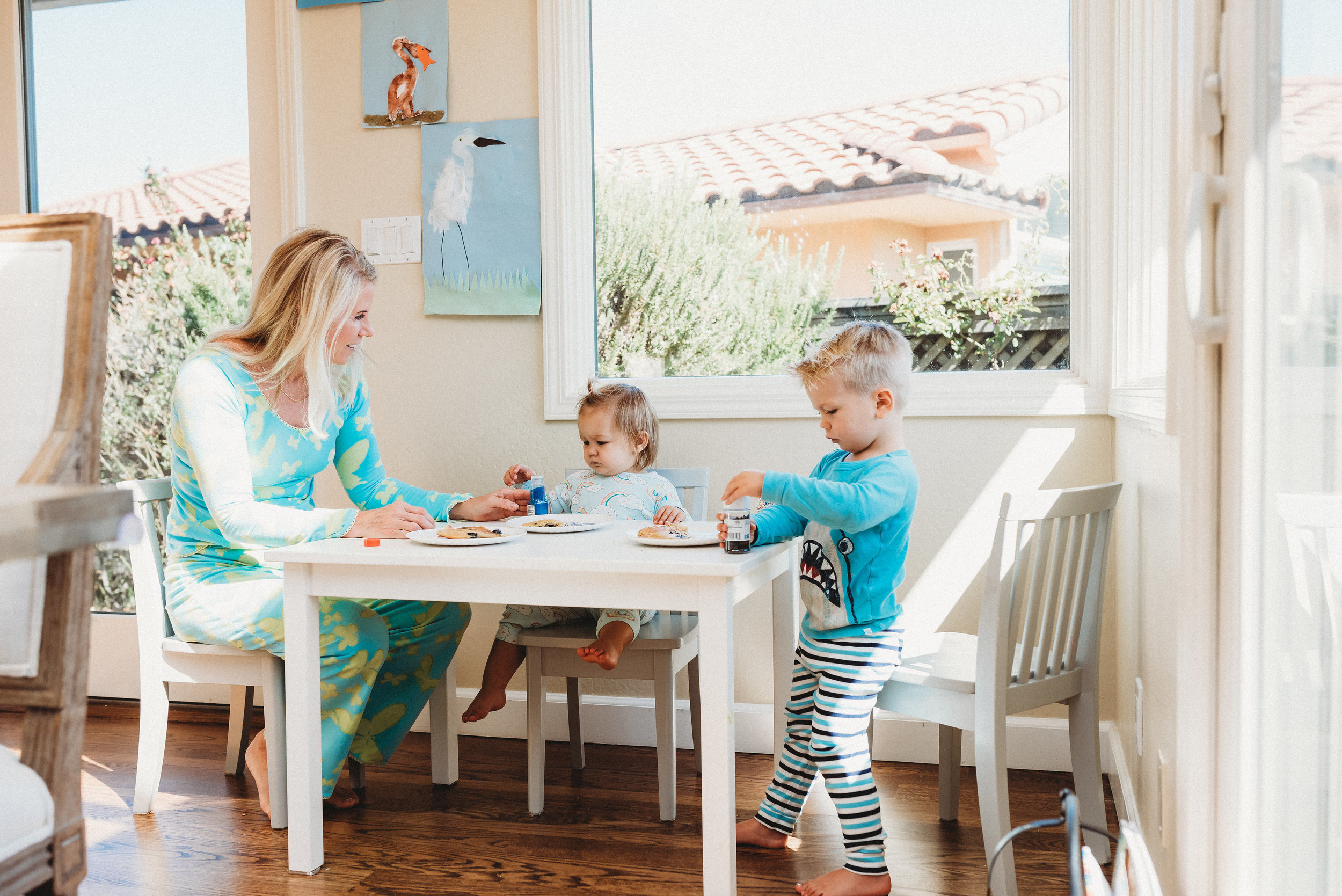 family pancakes morning routine mom of two toddlers pj mornings family time quality time31.jpg