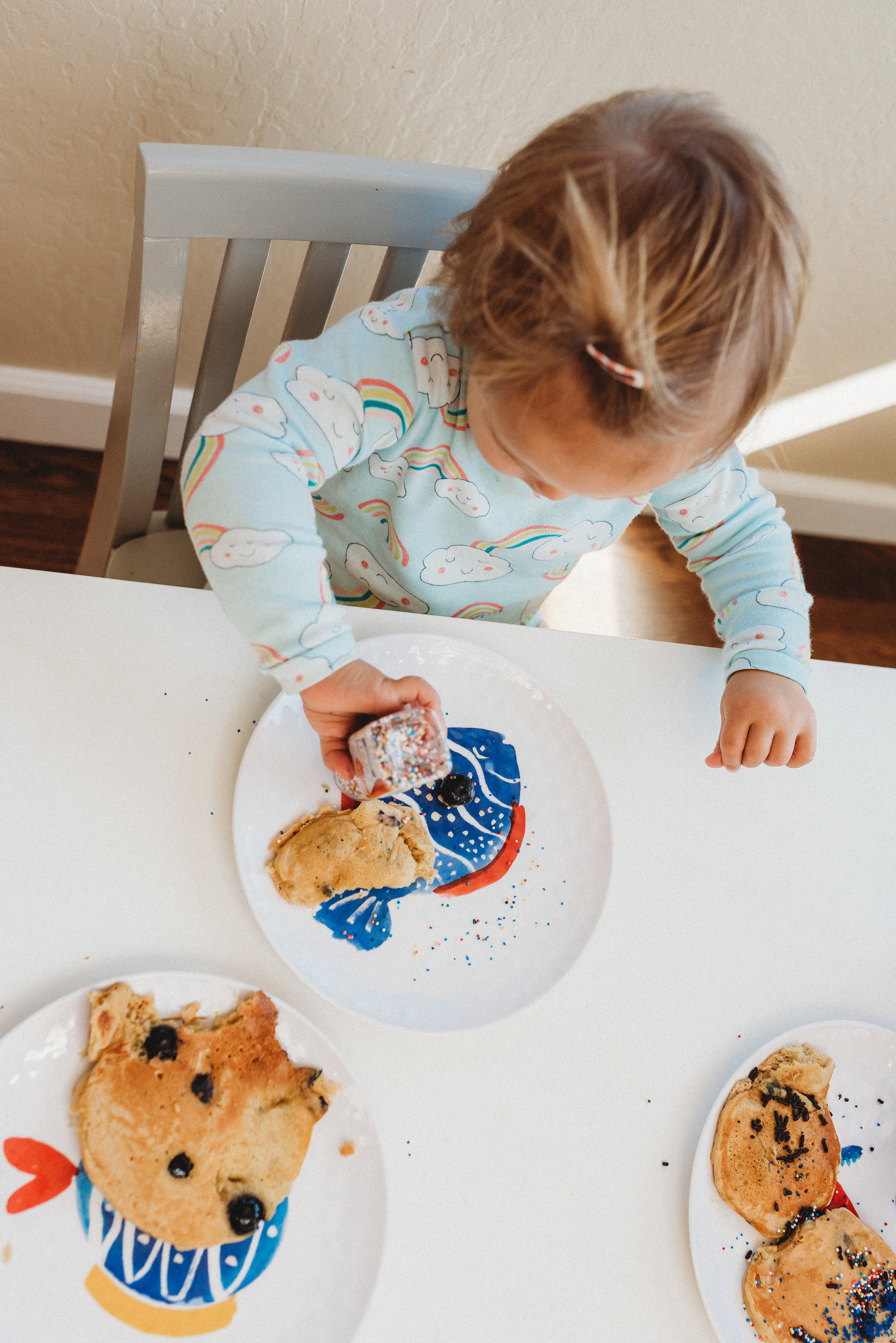 family pancakes morning routine mom of two toddlers pj mornings family time quality time39.jpg