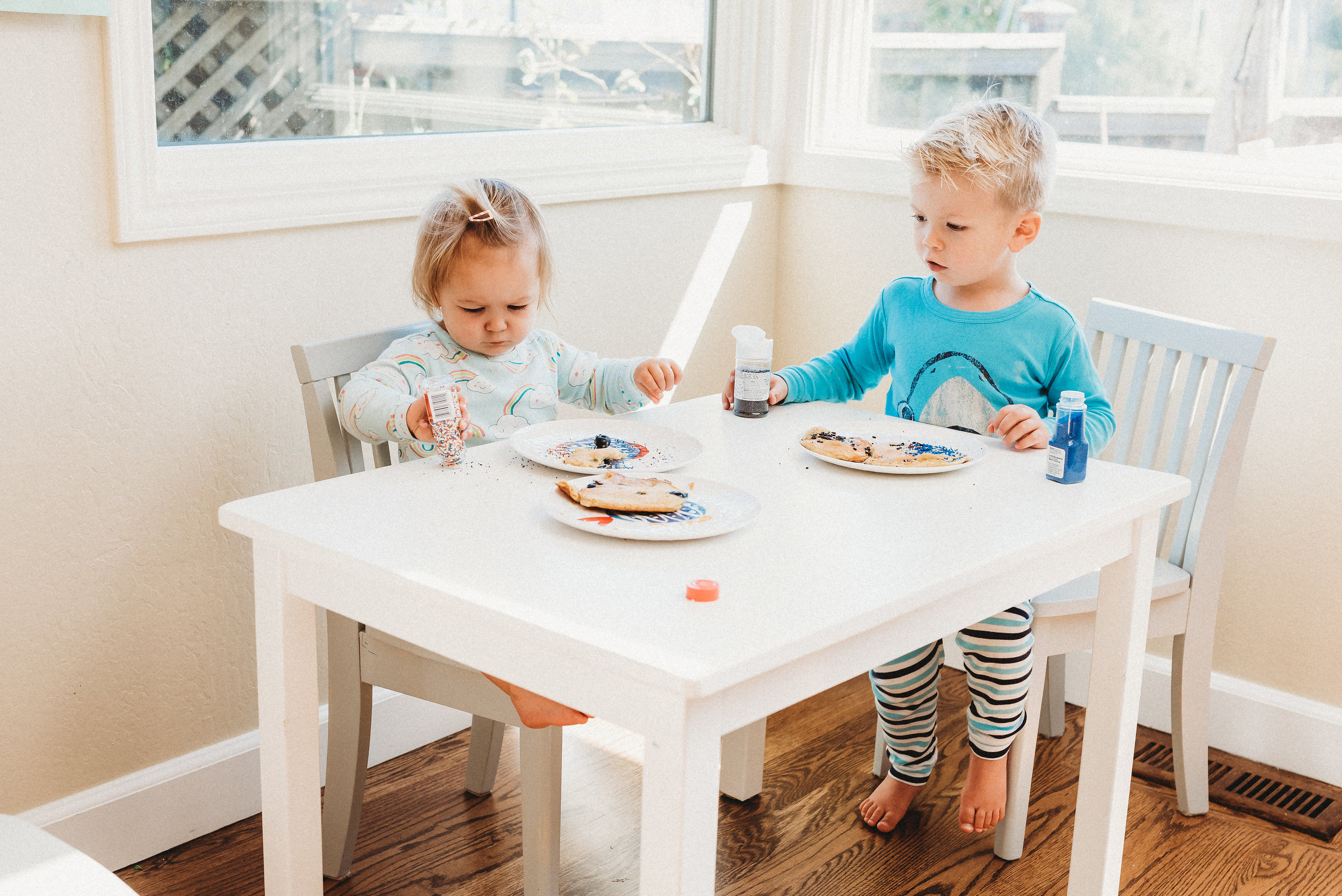 family pancakes morning routine mom of two toddlers pj mornings family time quality time41.jpg